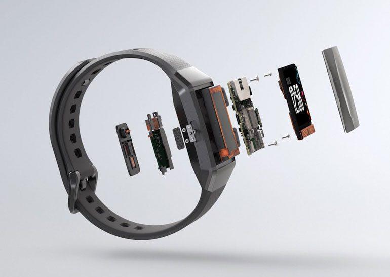 Компания Fitbit представила свои первые смарт-часы
