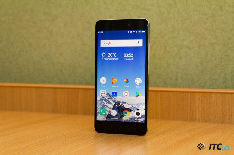 Смартфоны с экраном не менее 5.5