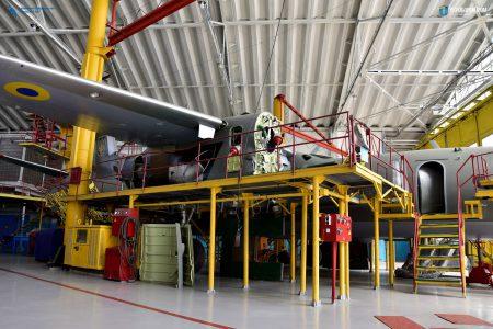 """Входящий в состав Укроборонпрома """"Завод 410 ГА"""" будет обслуживать самолеты Boeing и Airbus, а также вертолеты Robinson"""