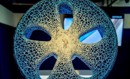 Французская компания Michelin представила VISION — прототип «шины будущего»