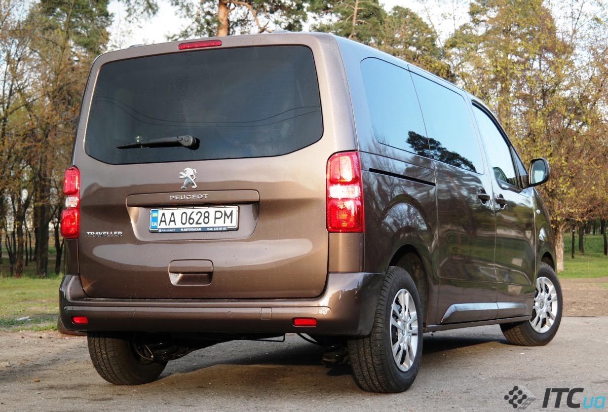 Вени Peugeot Traveller і Citroen SpaceTourer: бійся, VW Transporter?