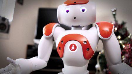 Исследование: люди симпатизируют роботам, которые совершают ошибки