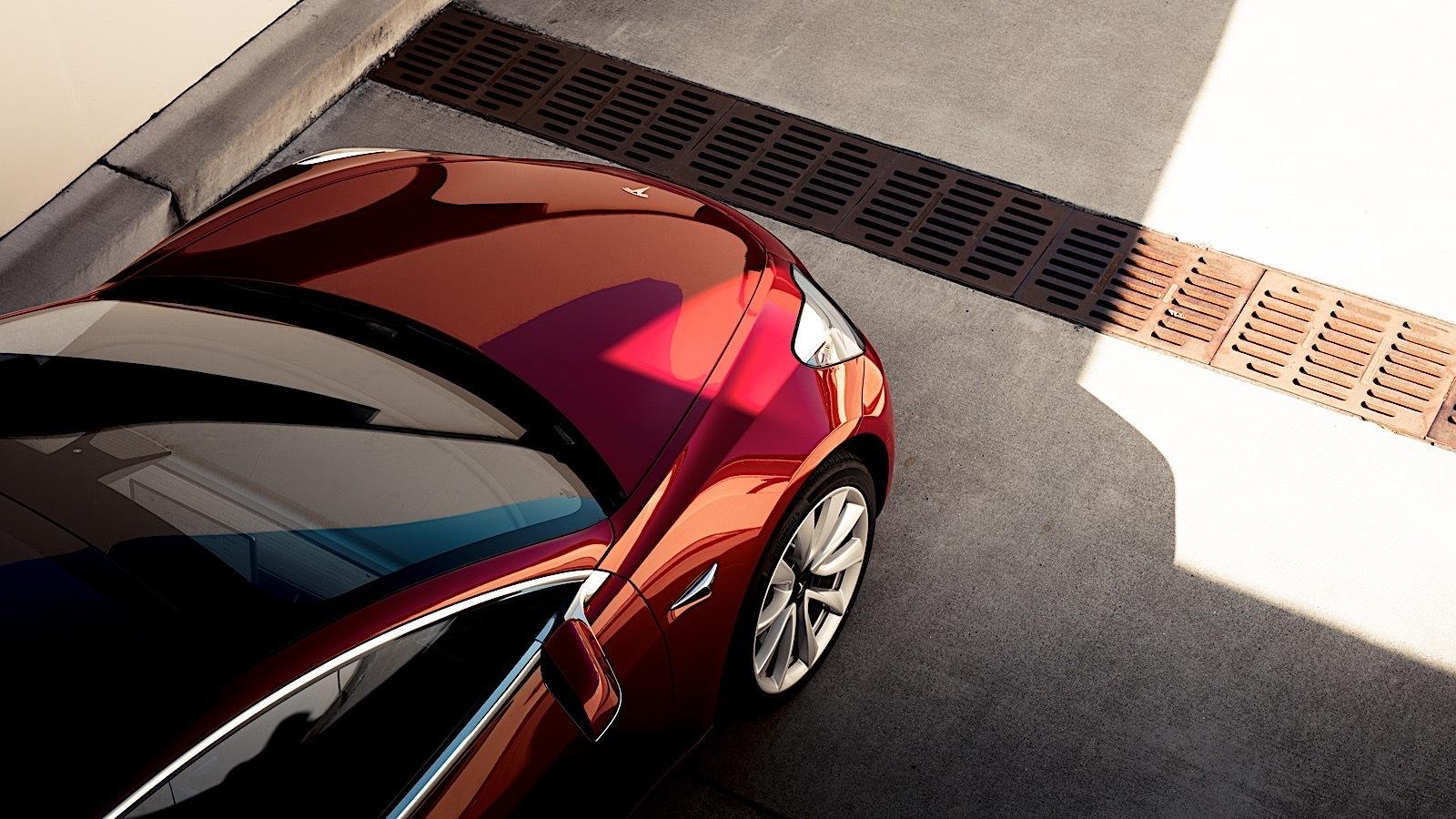 Tesla испытывает проблемы с повышением объемов выпуска Model 3