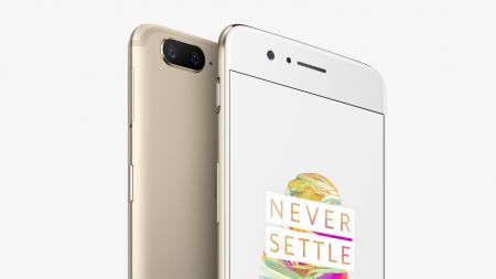 Смартфон OnePlus 5 стал доступен в новом цвете Soft Gold, но в ограниченном количестве