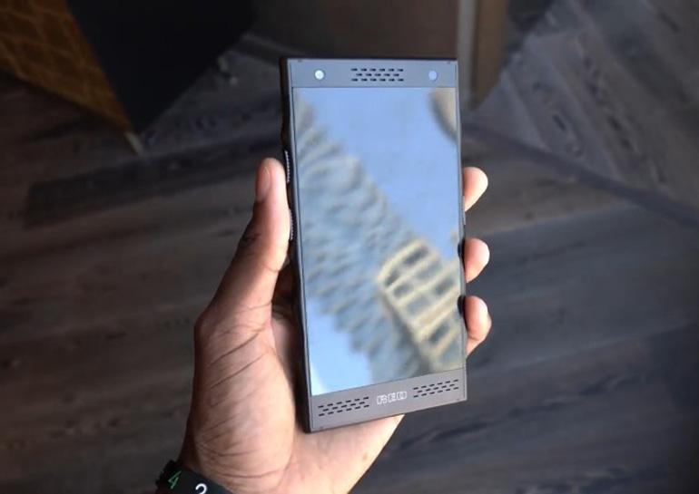 Вглобальной web-сети появилось видео опрототипе телефона Red Hydrogen