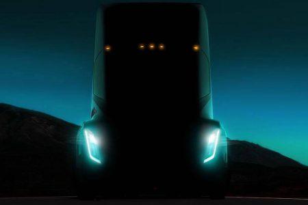 Reuters: Электрический грузовик Tesla получит запас хода в диапазоне от 300 до 500 км