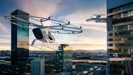 Немецкий автопроизводитель Daimler AG и другие инвесторы вложили 25 млн евро в создателя летающих такси Volocopter
