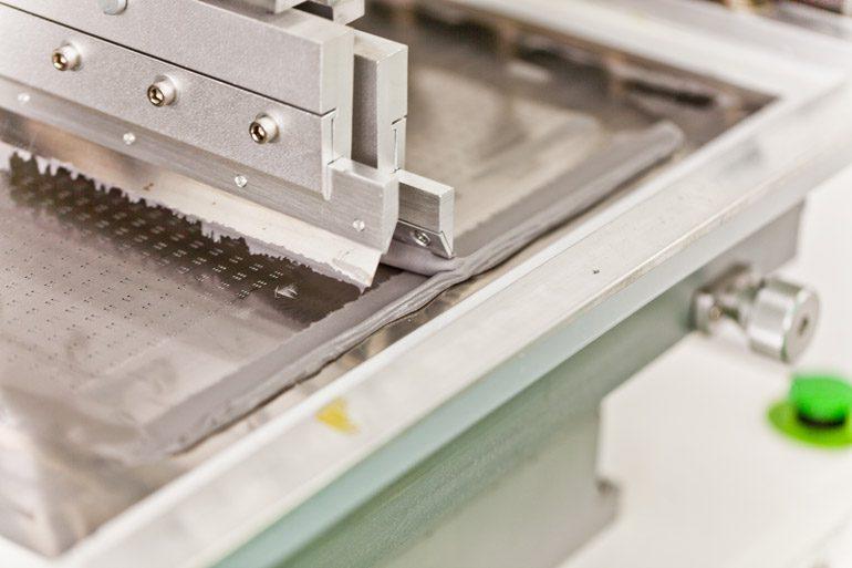 В Киеве открыт завод по производству SMD модулей для светодиодных экранов — Flylights Factory
