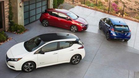 В Японии сняли первые видеообзоры экстерьера и интерьера нового электромобиля Nissan Leaf 2018