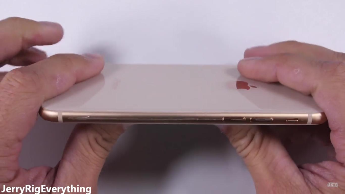 Эксперты увидели позитивный знак внизком спросе наiPhone 8