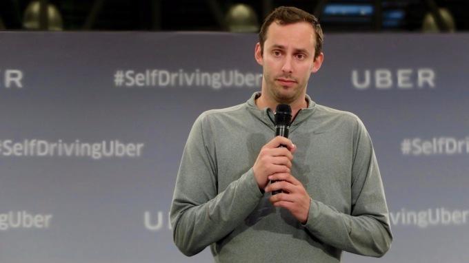 Прежний разработчик беспилотных авто Google Энтони Левандовски основал церковьИИ