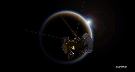 Cassini окончательно попрощался с Титаном, уже послезавтра зонд навсегда станет частью Сатурна