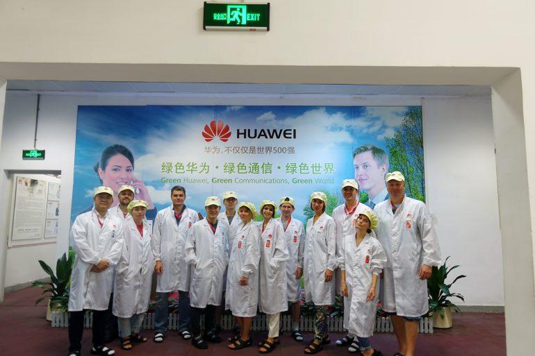 Как делают (и ломают) смартфоны в Китае: репортаж из тестлаба и с завода Huawei