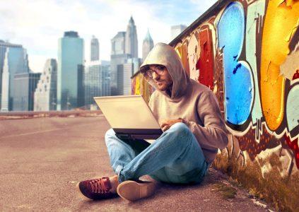 В честь дня программиста OLX составил рейтинг наиболее популярных ноутбуков и планшетов в Украине [инфографика]