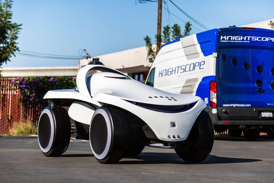 Knightscope K7 — новый охранный робот в формате футуристичного багги, способный разворачиваться на месте и передвигаться боком