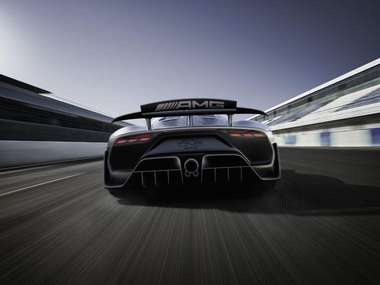 «350 км/ч и 6 секунд до 200 км/ч»: Представлен гибридный гиперкар Mercedes-AMG Project ONE стоимостью $2,5 млн с двигателем болида Formula 1 и четырьмя электромоторами