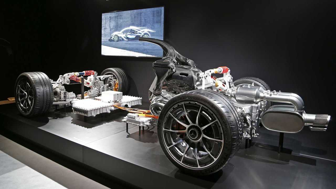 Размещены тизерные изображения гиперкара Mercedes-AMG Project One