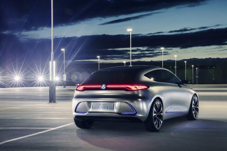 Анонсирован компактный электромобиль Mercedes Concept EQA с мощностью 270 л.с., запасом хода 400 км и индукционной зарядкой