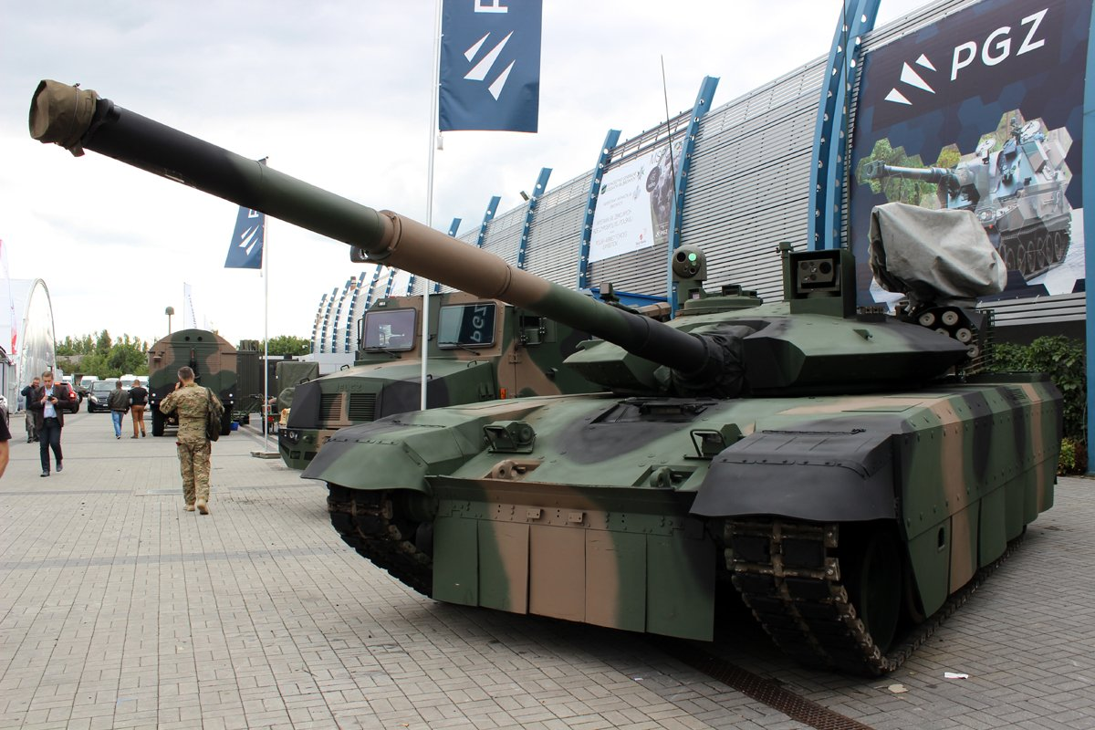 Украина иПольша представили «натовскую» модификацию танка Т-72