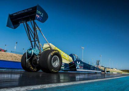 Австралийцы разрабатывают электрический дрэгстер Top EV Racing мощностью 3000 л.с., который будет разгоняться до 200 км/ч за 0,8 секунды и достигать половины скорости звука (612 км/ч)
