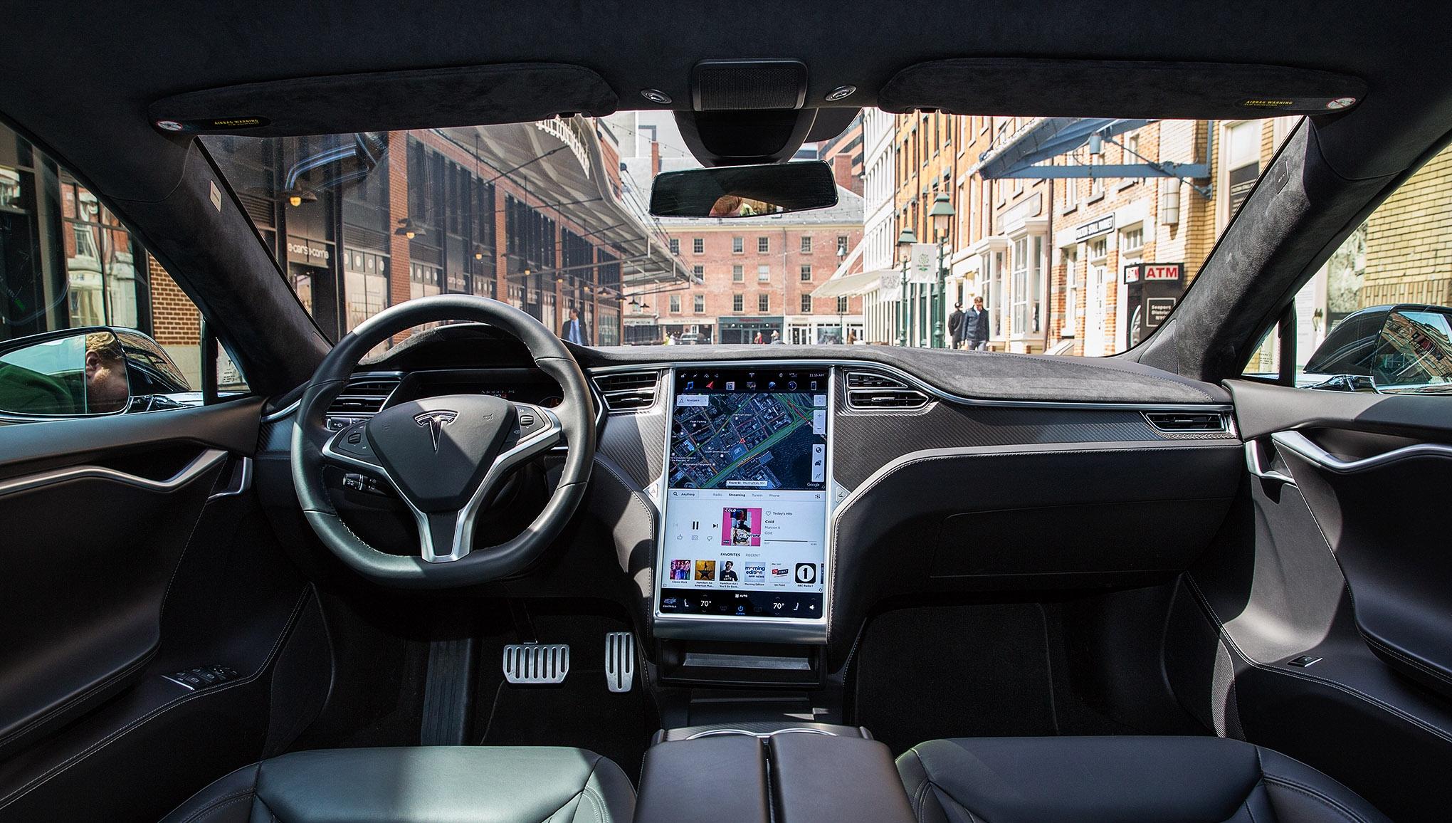 Tesla иAMD разрабатывают чип для автономных автомобилей