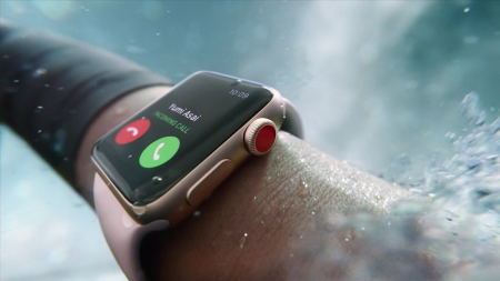 Обновлено:«40 млн песен на вашем запястье»: Новая реклама умных часов Apple Watch была снята на киевском вокзале