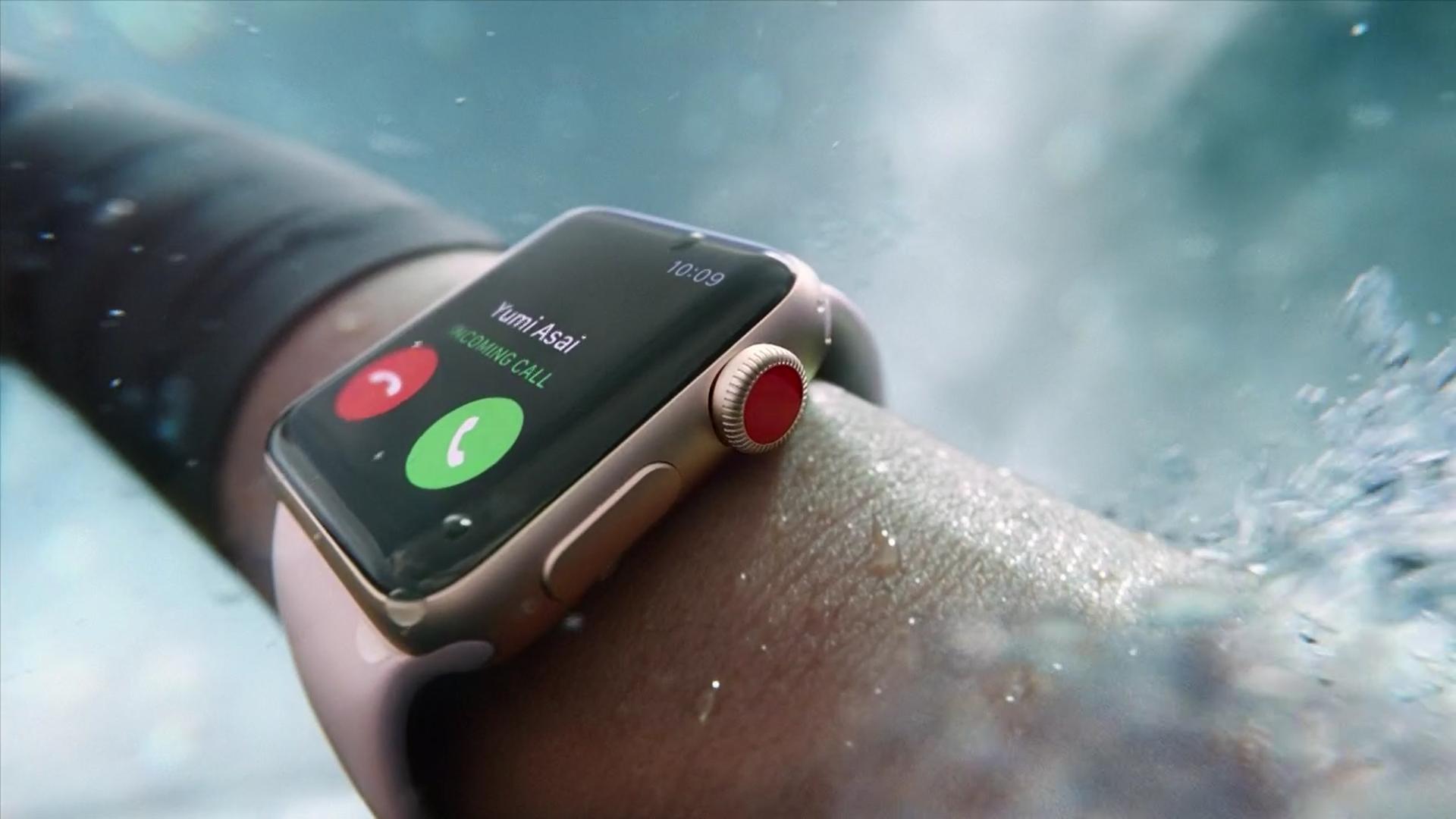40 млн песен на вашем запястье Новая реклама умных часов Apple Watch была снята на киевском вокзале