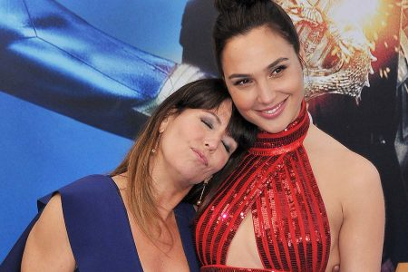"""Пэтти Дженкинс станет соавтором сценария, режиссером и продюсером """"Wonder Woman 2"""" за рекордные для женщины $8 млн"""