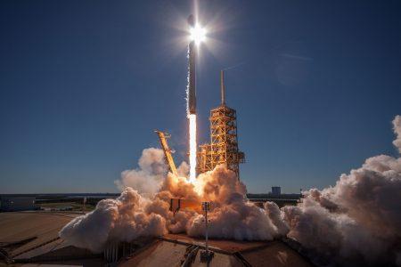 SpaceX уже провела 16 успешных запусков Falcon 9 (13 «возвратных»), вдвое больше чем за весь 2016 год