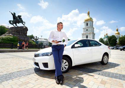«Вышиванка, булава и бензопила»: Топ 10 необычных вещей, забытых украинцами в такси Uber