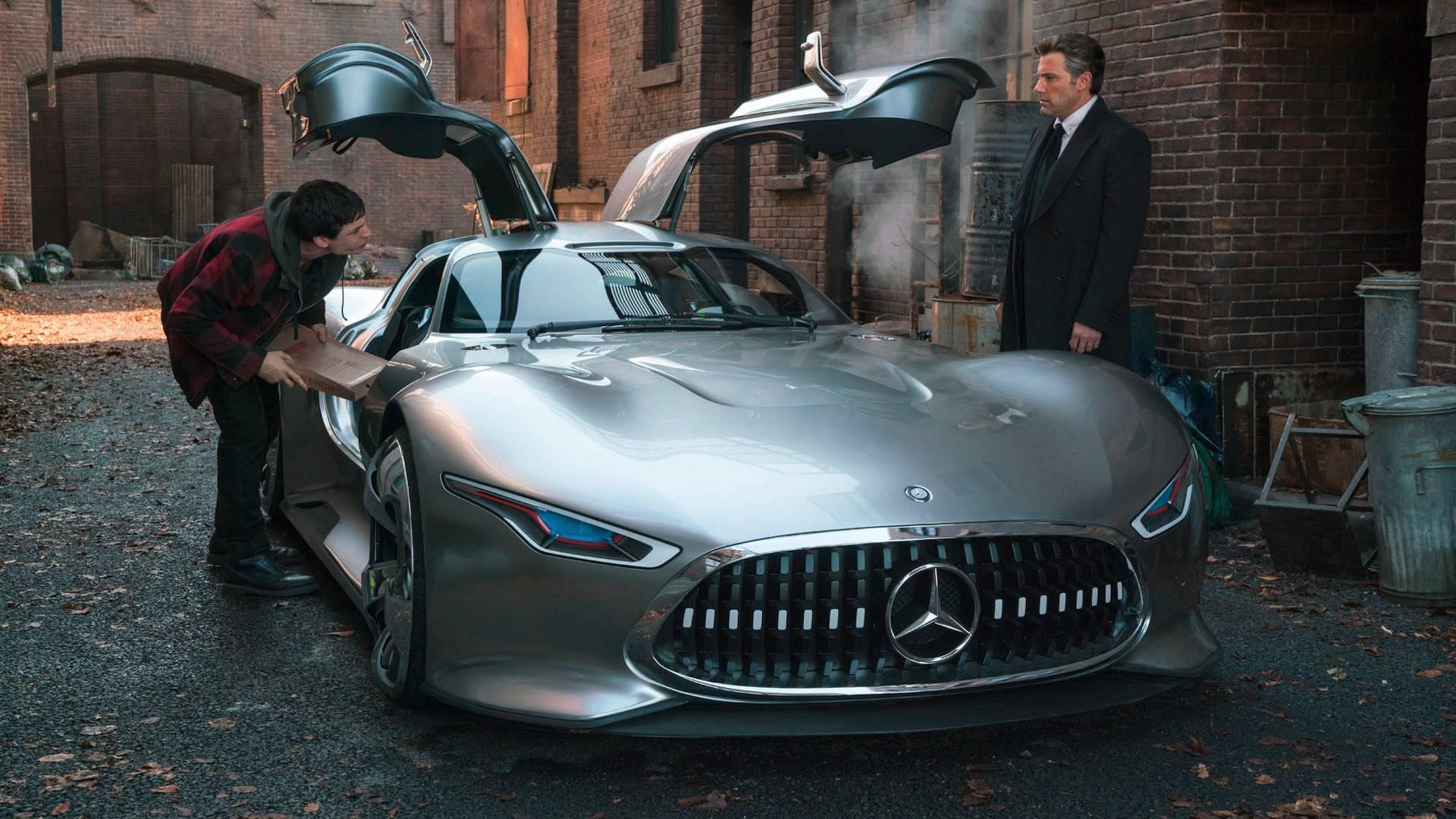 Новым автомобилем Бэтмена в«Лиге справедливости» будет  суперкар Mercedes-AMG
