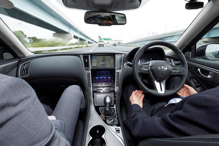 Nissan испытала на улицах Токио полностью автономный Infiniti Q50 с системой ProPILOT следующего поколения, серийная версия которой появится в 2020 году