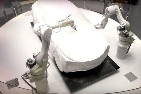 Nissan показал, как роботы вытачивают макет нового электрокроссовера на основе хэтчбека Leaf 2018 [видео]