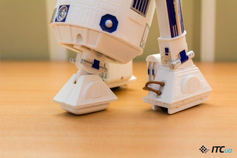 Обзор игрушечного дроида Sphero R2-D2