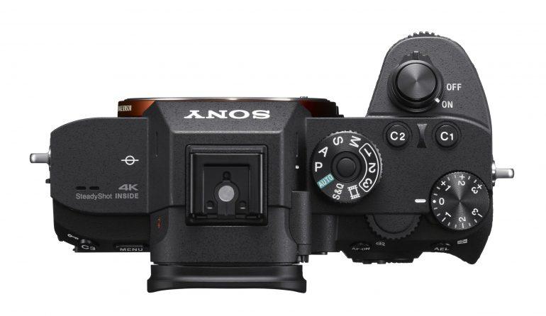 Анонсирована полнокадровая камера Sony A7R III с повышенной производительностью, двумя слотами для карт памяти и двумя портами USB