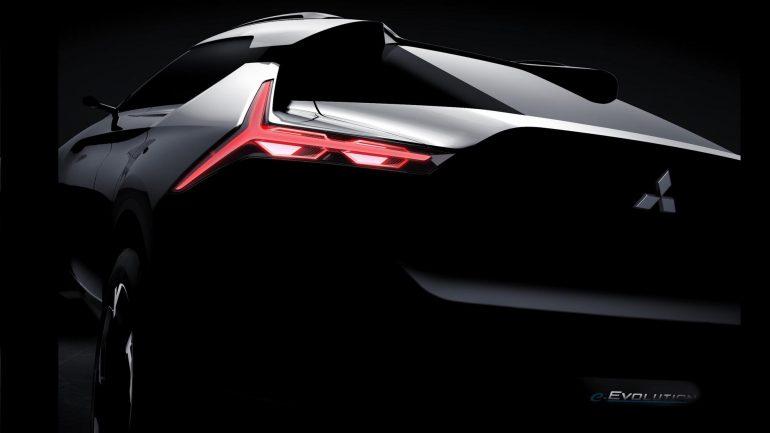 """Концепт кроссовера Mitsubishi e-Evolution получит три электродвигателя и искусственный интеллект с режимом """"инструктора по вождению"""""""