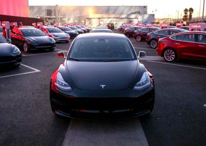 СМИ: Илон Маск договорился о строительстве завода Tesla в Китае