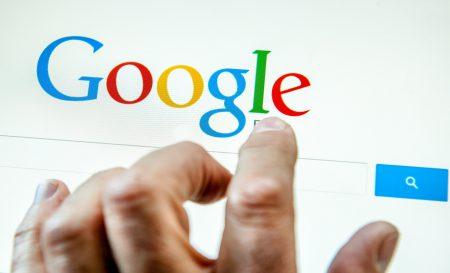В Google намерены понизить ранжирование новостей от RT и Sputnik в целях борьбы с российской пропагандой. Роскомнадзор потребовал разъяснений