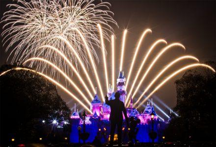 Система Feeling Fireworks дает возможность слабовидящим людям «почувствовать» фейерверк кончиками своих пальцев