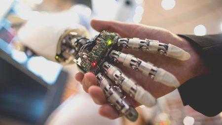 Глава OpenAI призвала не бояться искусственного интеллекта