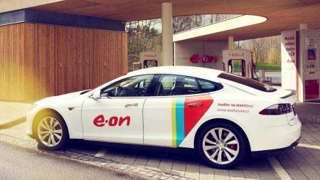 """Компания E.ON обещает к 2020 году построить в Европе сеть скоростных """"электрозаправок"""" из 10 тысяч зарядных пунктов"""