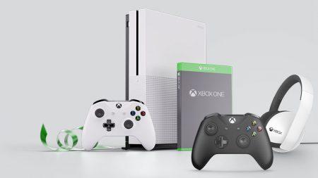 """Консольная """"Черная Пятница"""": скидки на Xbox One S, подписки Gold & Game Pass, игры и аксессуары, а также бесплатный сетевой режим для владельцев PlayStation 4"""