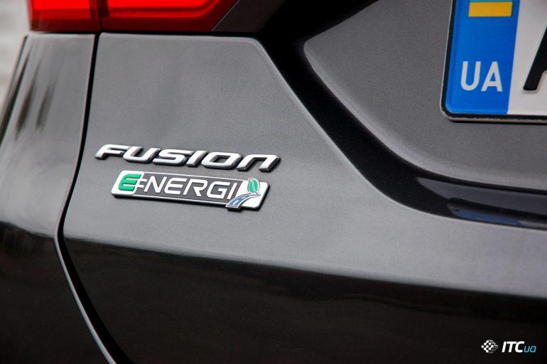 √ибрид Ford Fusion Energi: почти 200 л.с. и 30-50 км на электрот¤ге Ц за $20 тыс.