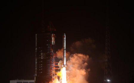 Китай успешно вывел на орбиту три спутника дистанционного зондирования Земли, сравнявшись по количеству запусков за этот год с американской компанией SpaceX