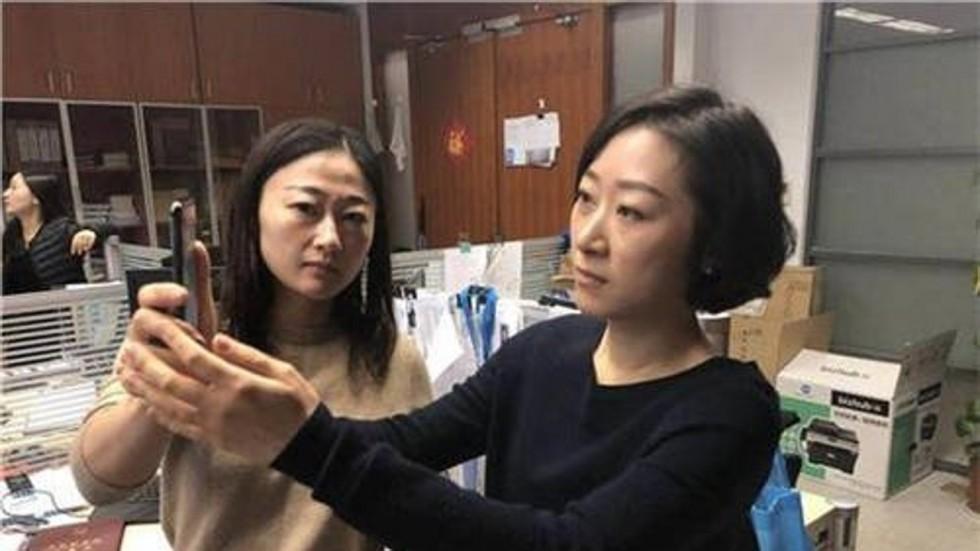 В КНР представили копию iPhone Xстоимостью $300
