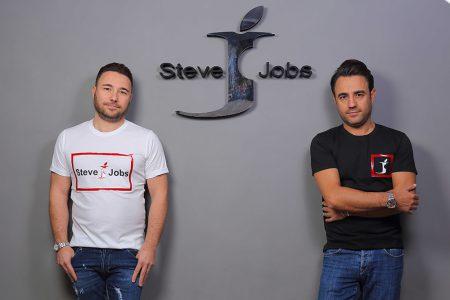 Итальянцы используют бренд Steve Jobs для выпуска джинсов и планируют продавать электронику в будущем. И Apple ничего не может с этим поделать