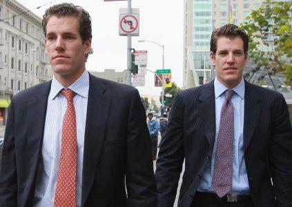 Удачно инвестировали: Братья Уинклвоссы вложили часть отсуженных у Цукерберга денег в Bitcoin. Теперь они миллиардеры