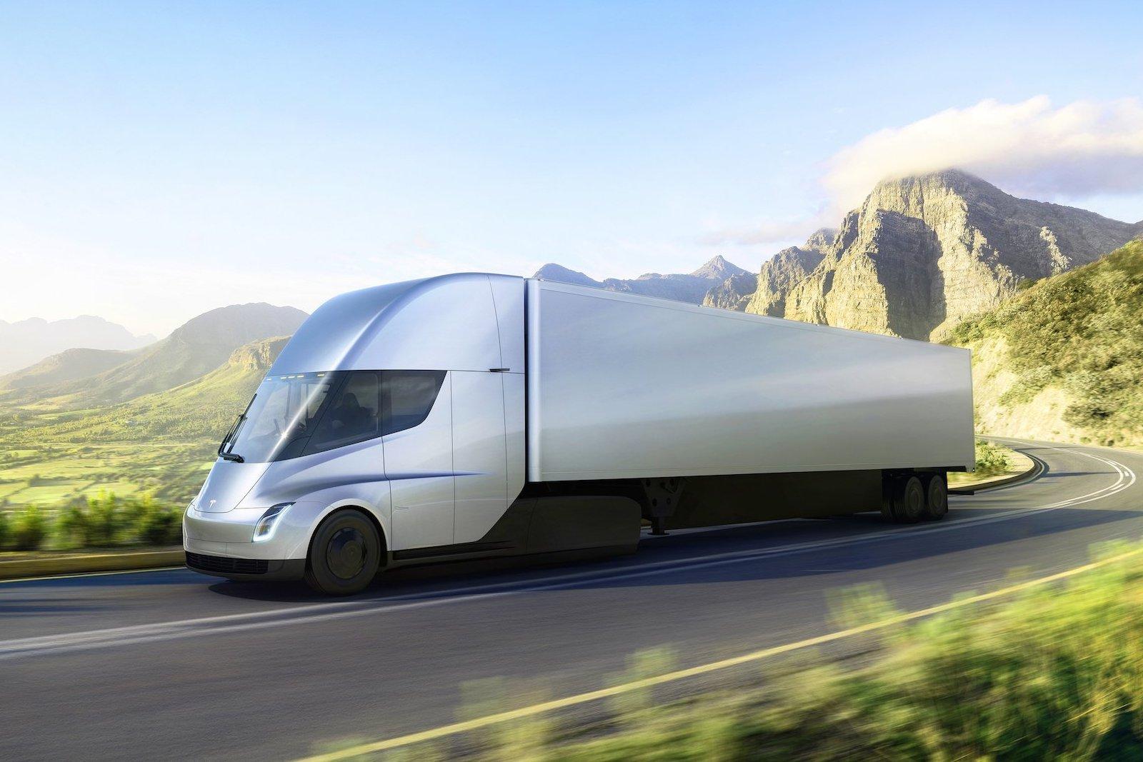 Пивоварня Anheuser-Busch InBev заказала 40 беспилотных фургонов Tesla Semi