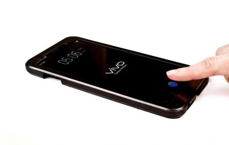 Первый смартфон со сканером отпечатков пальцев в дисплее покажет китайская компания Vivo