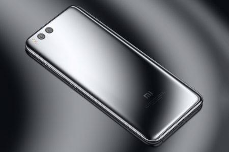 Производство Xiaomi Mi 7 со стеклянным корпусом и поддержкой беспроводной зарядки начнется в феврале
